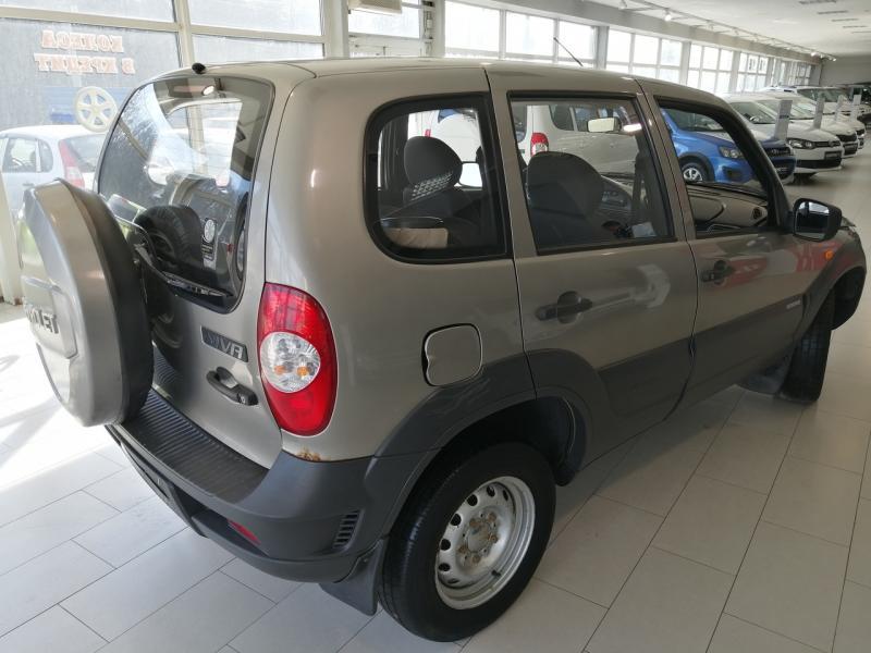Chevrolet niva Niva 1.7 MT (80 л. с.) L