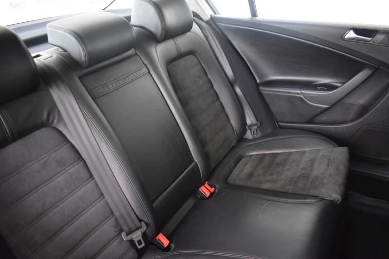 Volkswagen Passat 1.8 TSI DSG (152 л. с.)