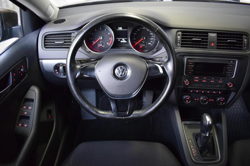 Volkswagen Jetta 1.6 MPI AT (110 л. с.) Comfortline