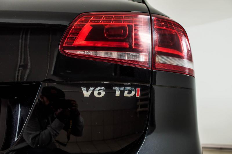 Volkswagen Touareg 3.0 TDI Tiptronic 4XMotion (245 л. с.) R-line