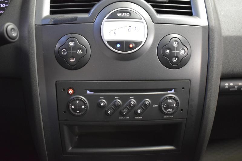 Renault Megane 1.6 AT (113 л.с.)