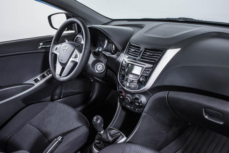 Hyundai Solaris 1.4 MT (107 л. с.)