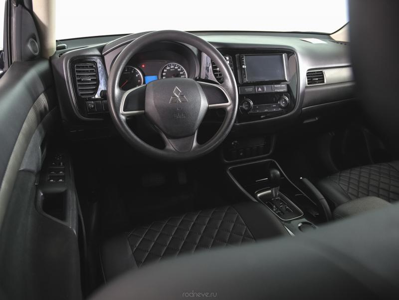 Mitsubishi Outlander 2.0 CVT (146 л. с.)